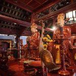 Confucius worshiping in Temple of Literature