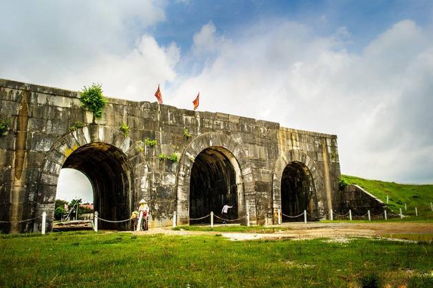 Ho Dynasty Citadel thanh hoa vietnam