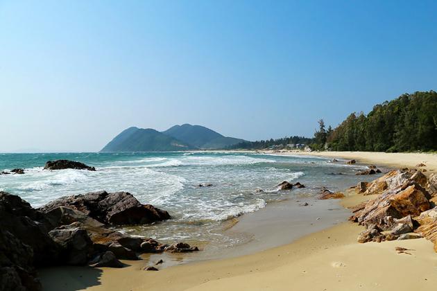 Minh Chau Beach Quan Lan island