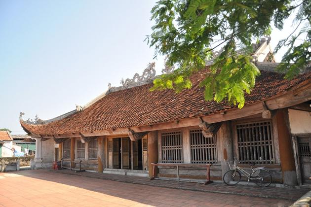 Quan Lan Communal House quan lan island
