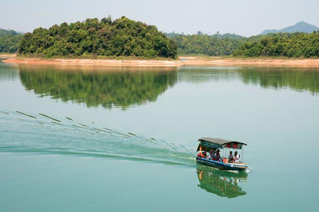ben en national park thanh hoa vietnam