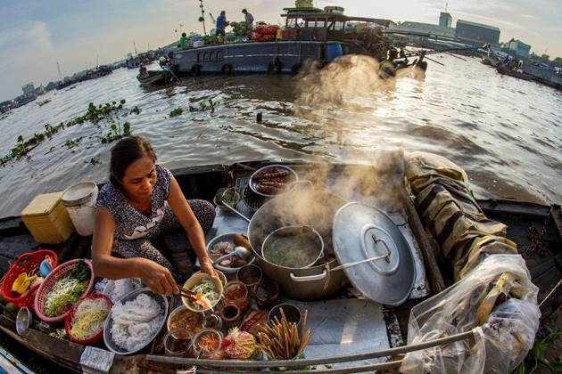 food stall in Cai Rang floating market