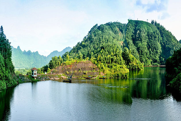 ao chau langoo phu tho province vietnam
