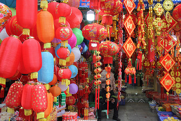 hang ma street on tet holiday