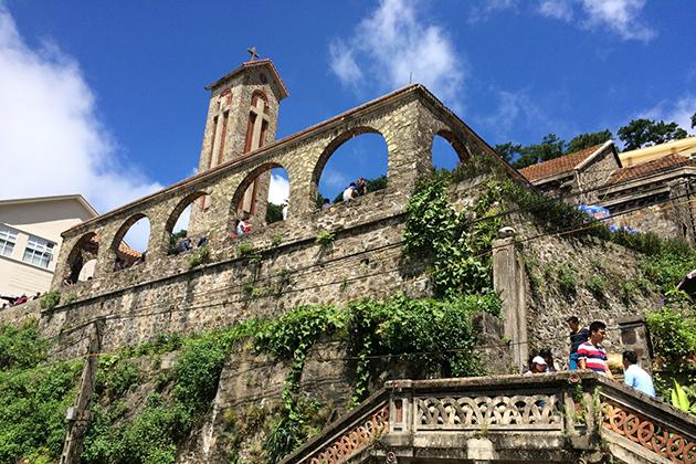 tam dao stone church