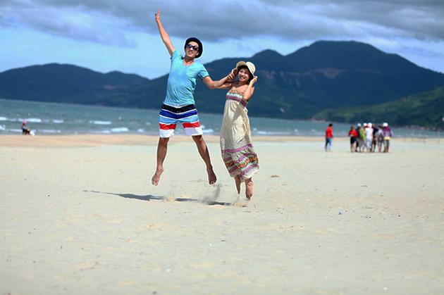 lang co beach vietnam honeymoon vacation