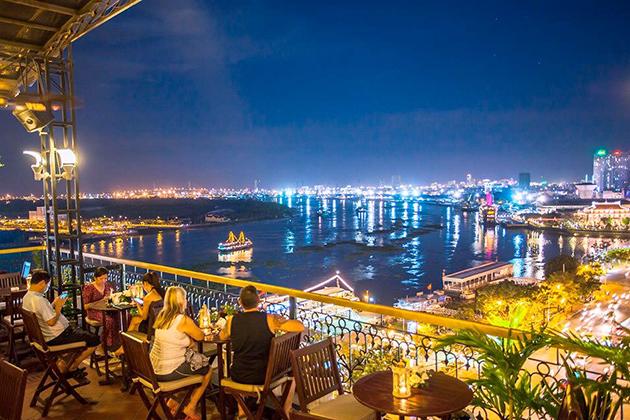 saigon nightlife vietnam honeymoon tour