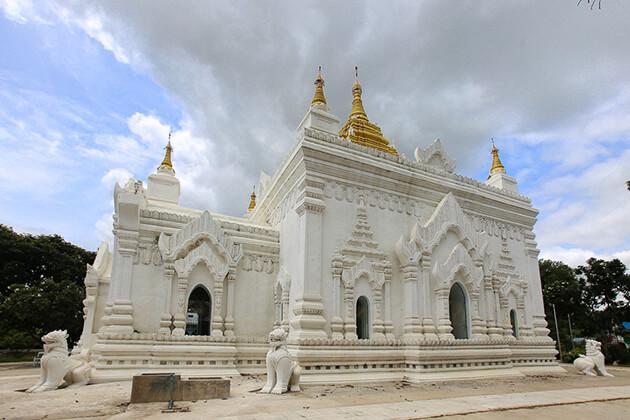 Settawya Pagoda in mingun