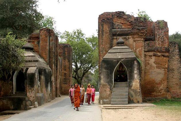 Tharabar Gate in myanmar