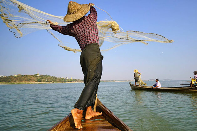 fishermen in Ayeyarwady River