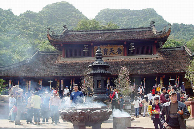 perfume pagoda western hanoi