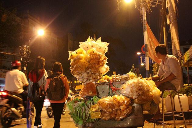 street vendor selling rice paper