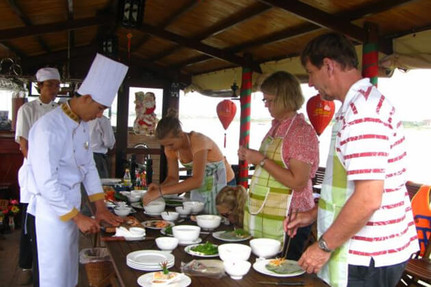 attend cooking class in hoi an