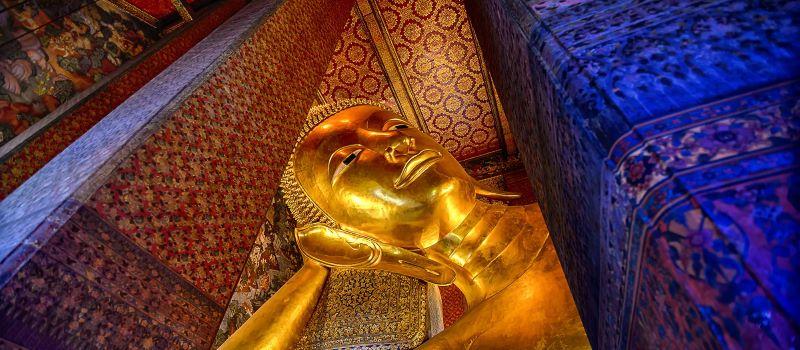 golden statue in thailand