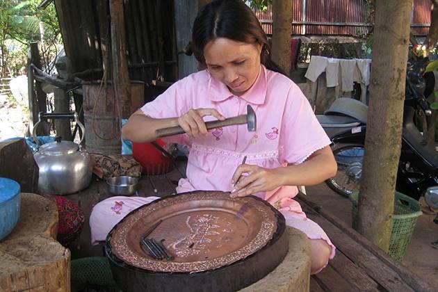 local craftsmen in koh chen