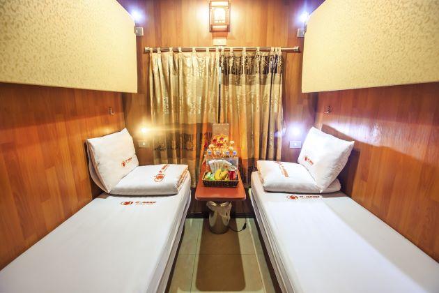 luxury cabin in night train to sapa