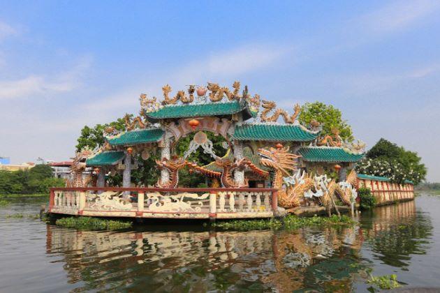saigon floating temple