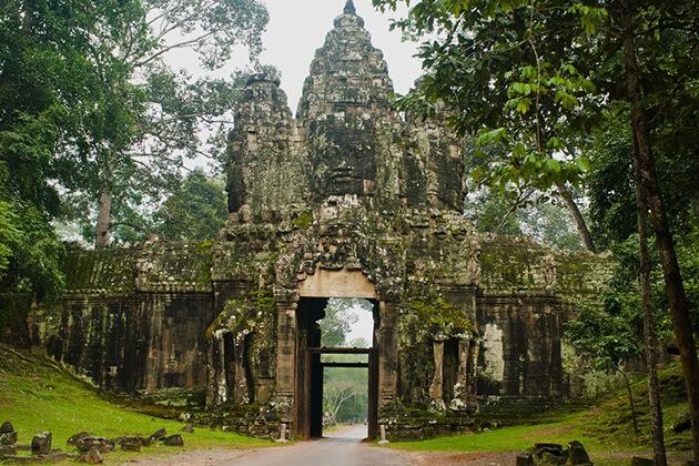 southgate of angkor thom