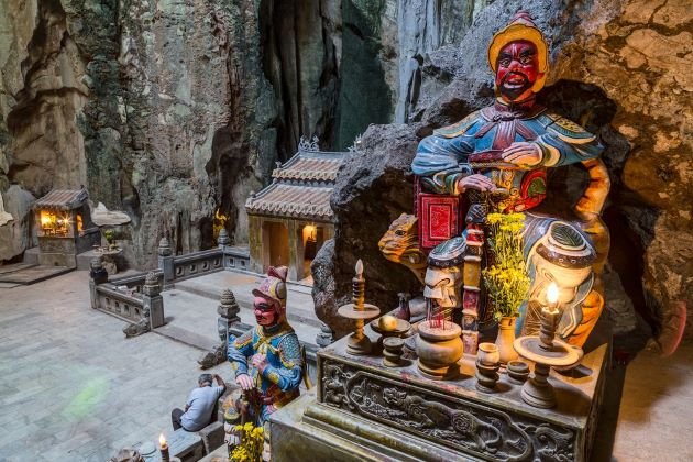 statue in marble mountain danang