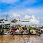 vibrant cai rang floating market