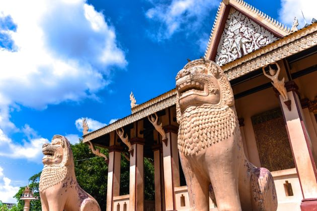 wat phnom phnom penh cambodia