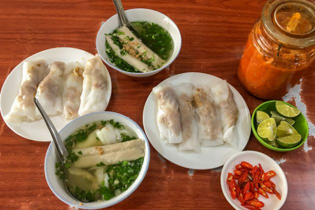 try Cao Bang rice steamed rolls on northeast vietnam tours