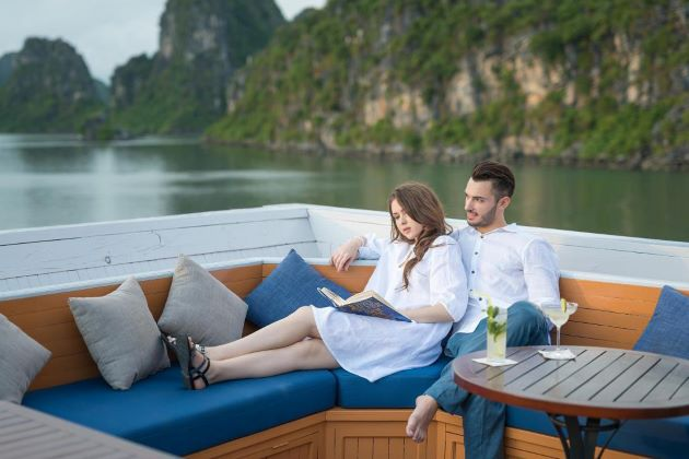 halong bay vietnam honeymoon tour packages