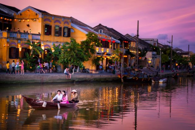 hoi an honeymoon vacation in vietnam
