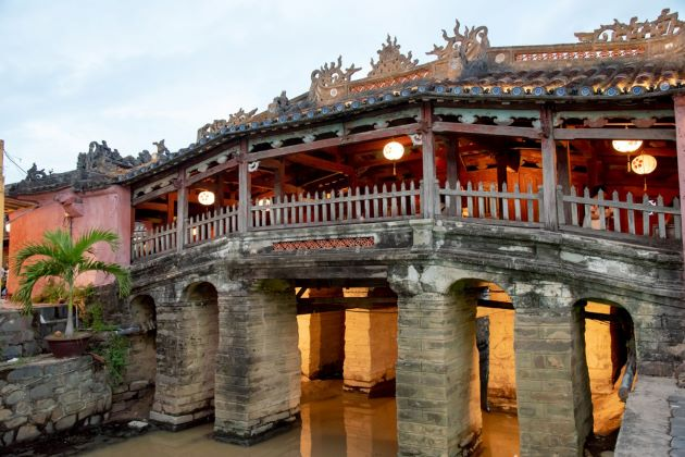 japanese covered bridge in hoi an ancient town