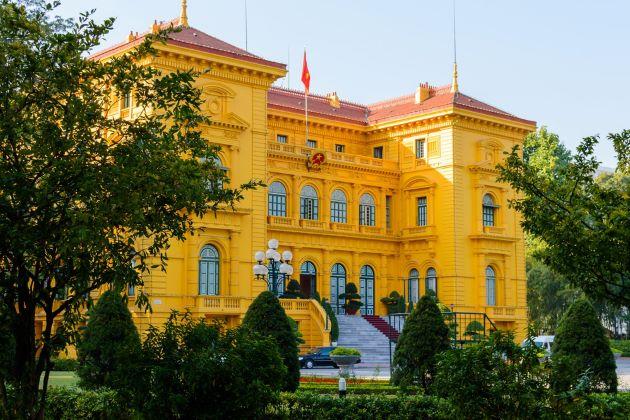 the yellow presidental palace in hanoi