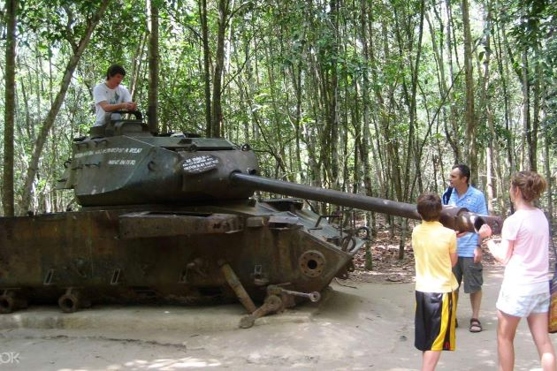 an american tank at cu chi tunnels