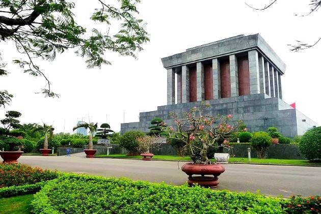ho chi minh mausoleum in hanoi vietnam