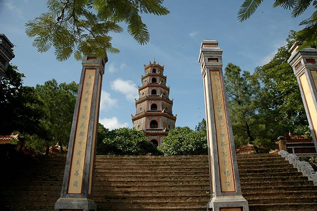 thien mu pagoda in hue vietnam tour in 22 days