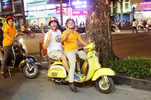 amazing saigon vespa tour after dark