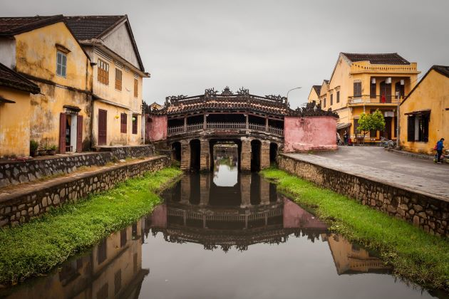 hoi an walking tour will take you to the japanese covered bridge