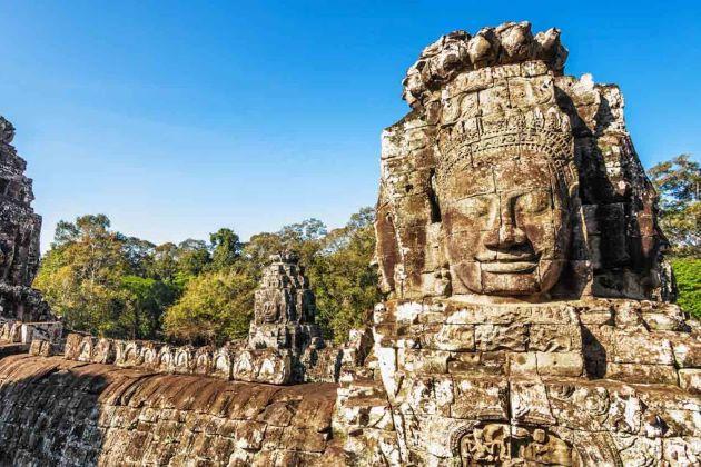 the bayon temple of angkor thom