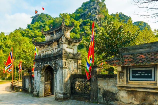 the temple of king dinh in hoa lu ancient capital