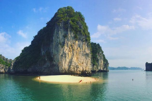 the world heritage site of halong bay