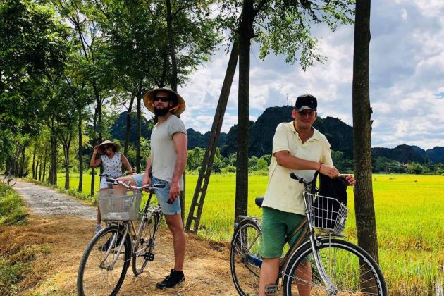 vietnam bike tours in mai chau