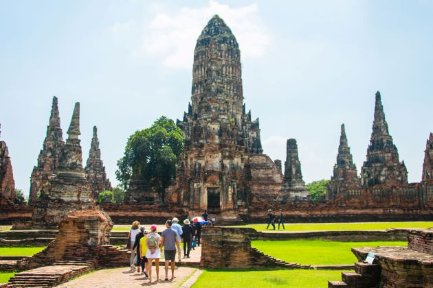 visit the city of ayutthaya