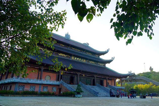 bai dinh pagoda ninh binh day tours