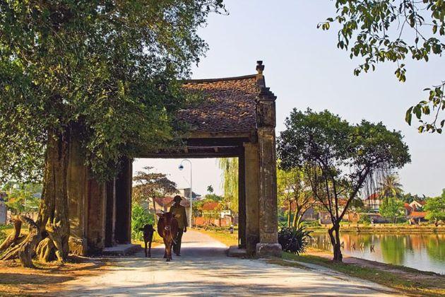 duong lam ancient village in hanoi