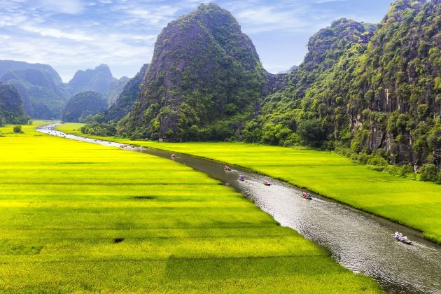 join a boat trip in tam coc ninh binh day trip