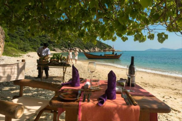 lunch on the beach at ninh van bay