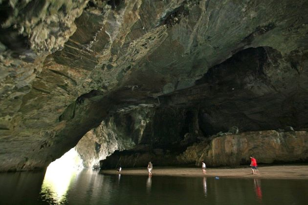 puong cave ba be lake tour