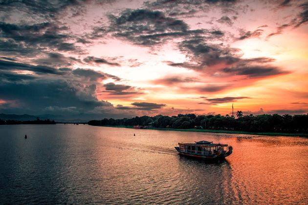 romantic sunset on perfume river