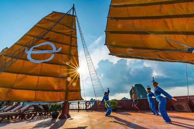 tai chi lesson at emperor cruise