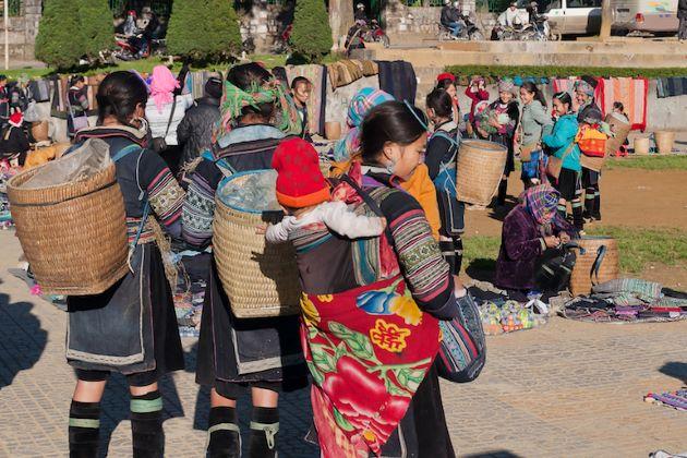 love market in sapa