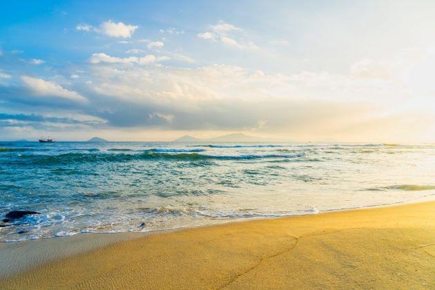 relax at cua dai beach in hoi an