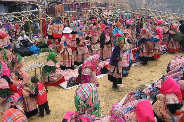 can cau market in north vietnam